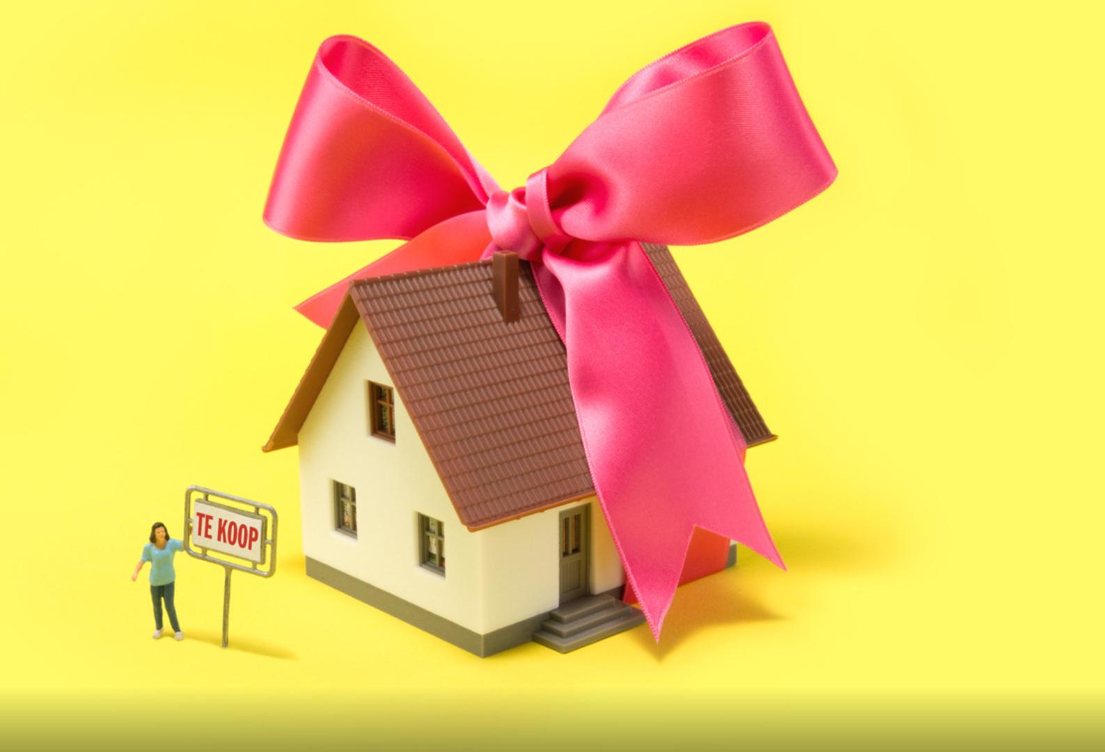 Drukkere tijden voor makelaars, meer mensen zetten hun huis te koop (Bron: RTL Z)