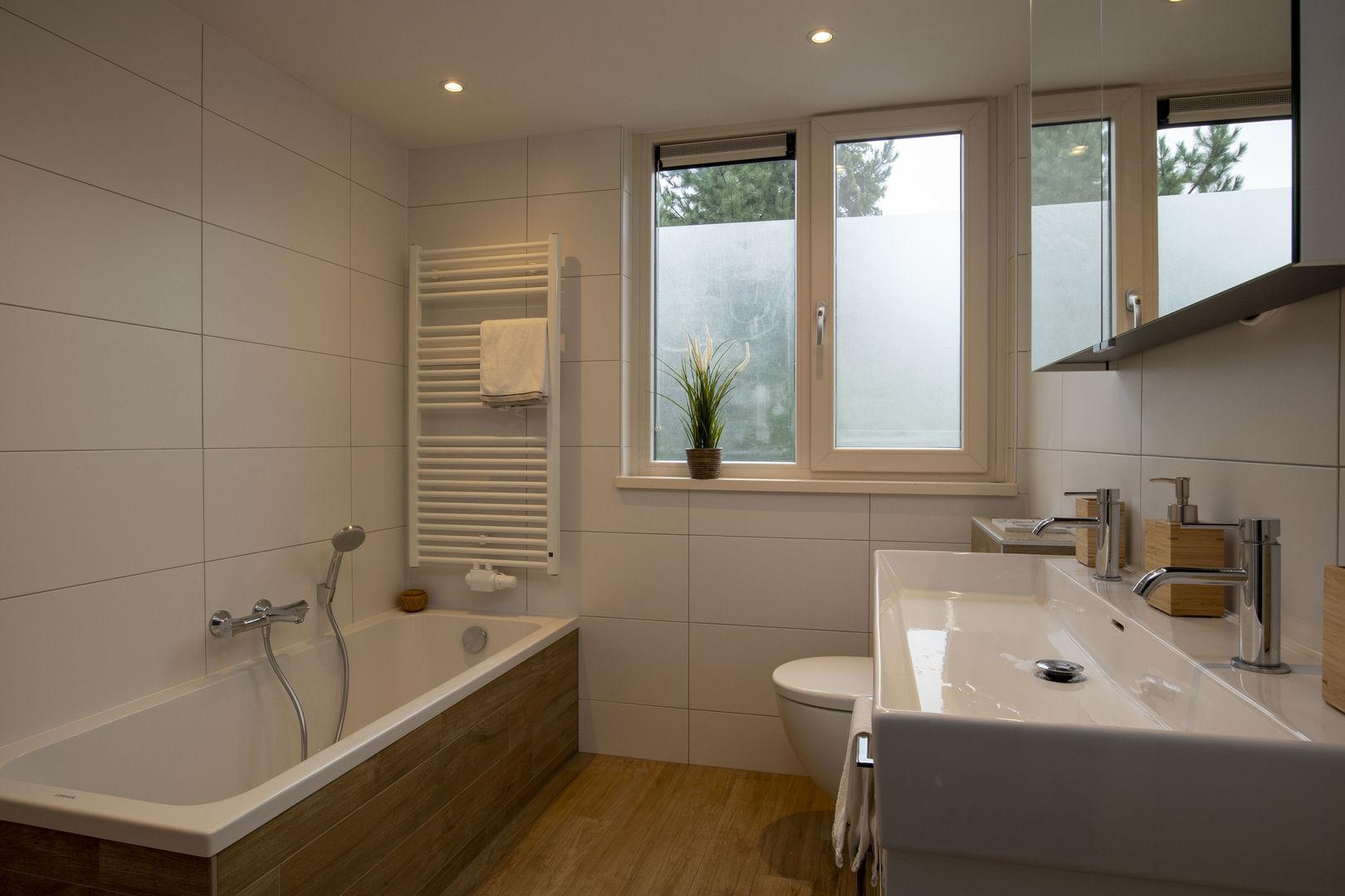 Ditters Woonregisseurs: Badkamer renovatie